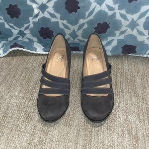 JG Size 6.5 Gray Heels